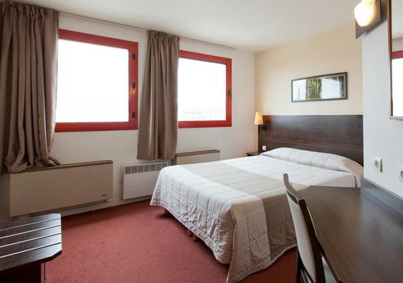 R server un hotel pas cher en france for Comment trouver un hotel